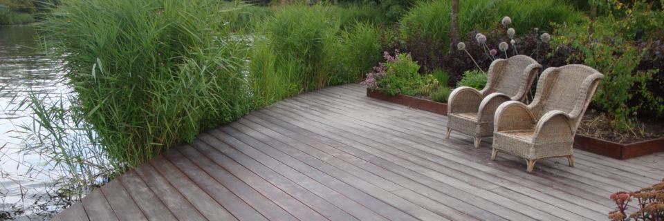 Onze hoveniers zorgen voor een prachtige tuin waar u zorgeloos kunt genieten.
